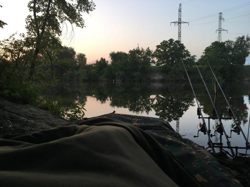 Я «влюбился» в карповую раскладушку - здоровый сон на рыбалке