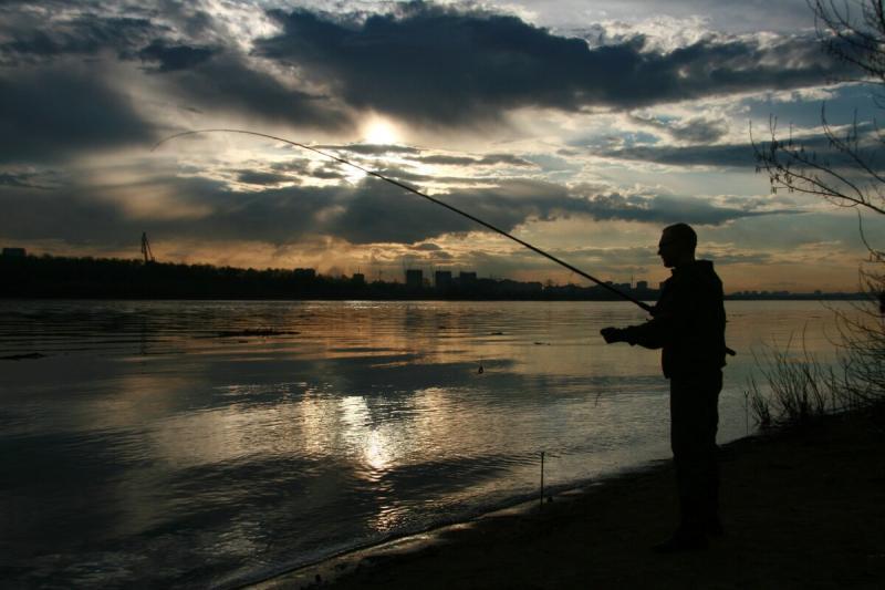 Кто ночью спать, а кто на рыбалку собирается