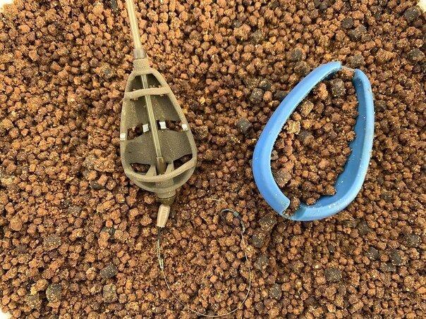 """Рыбалка на """"Флэт-фидер"""": как эффективно ловить карпа, карася и другую рыбу"""
