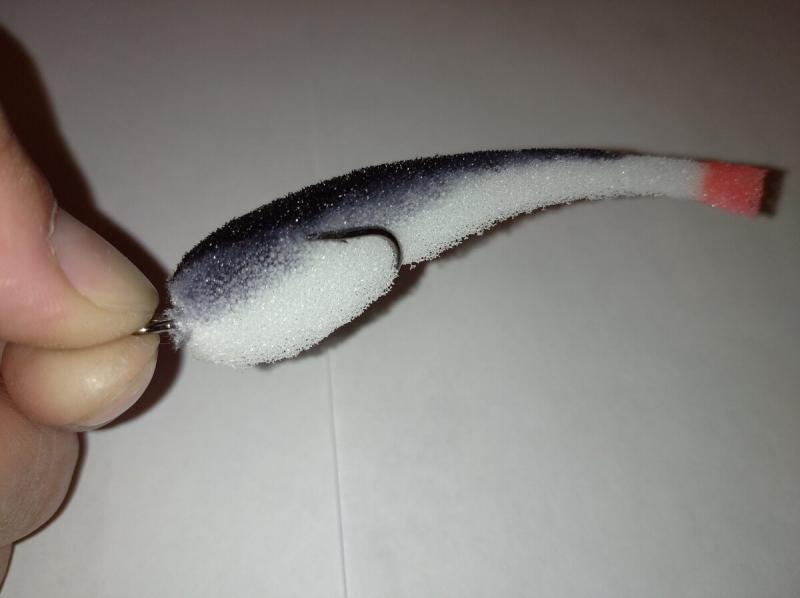Уловистые поролонки своими руками. Покраска поролоновых рыбок.