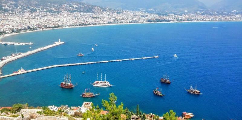 Если в Турции летом сезона не будет, то стоит ли ехать осенью?
