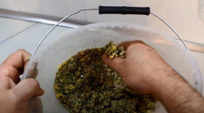 Интересный простой, но рабочий проверенный рецепт каши для ловли карася и карпа
