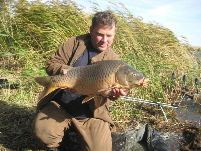 На какую снасть лучше ловить рыбу для получения адреналина? Карпфишинг или поплавок