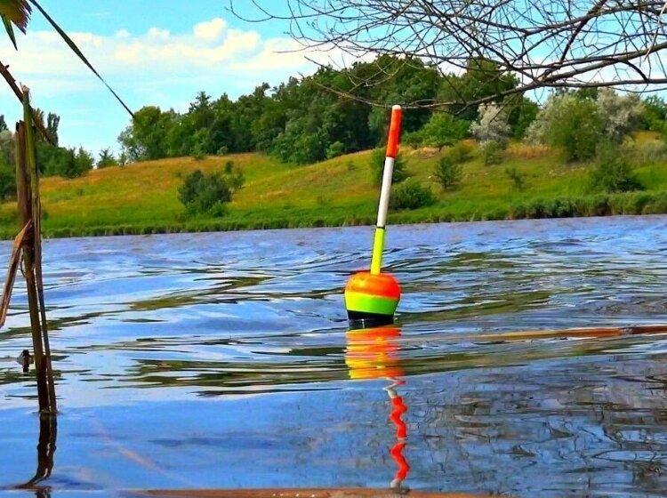 Частая ошибка рыболовов, которую они допускают при ловле на поплавочную снасть