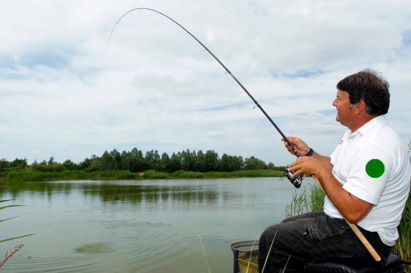Почему сходит рыба при поплавочной ловле и как этого избежать (советы)