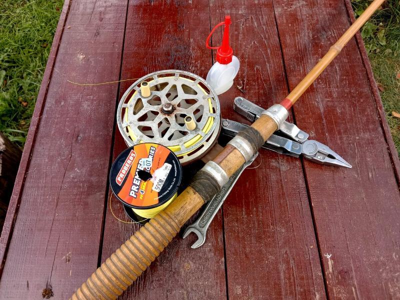 Расскажу как пытался поймать рыбу на спиннинг, который старше меня по возрасту