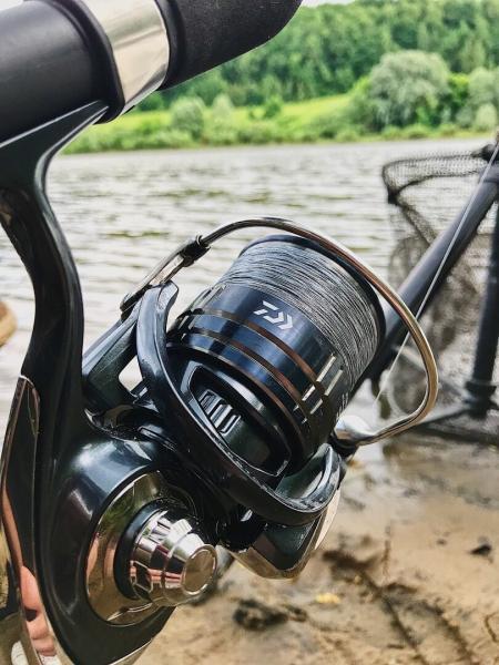 Рыбалка на реке перед дождём