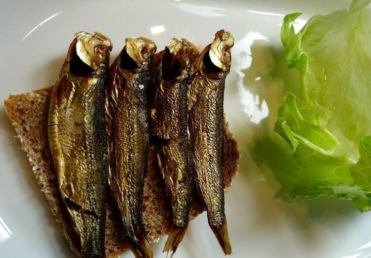Мегазакуска рыбацкая - шпроты из уклейки