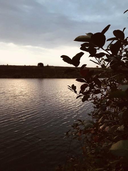 Что таит в себе осеннее озеро? Ловля крупного окуня в конце сентября