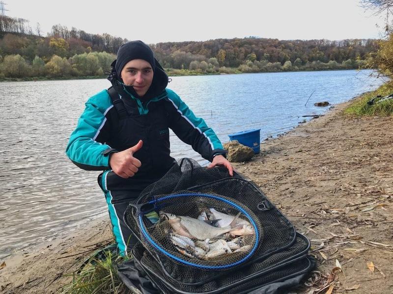 Что можно поймать осенью на русле реки фидером?