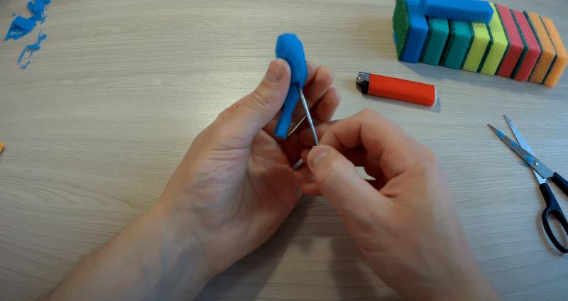 Делаем уловистую поролоновую приманку для окуня и щуки из обычной губки