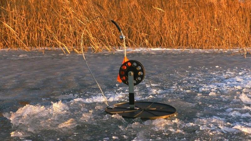 Ловля щуки в ноябре со льда — места, снасти, приманки