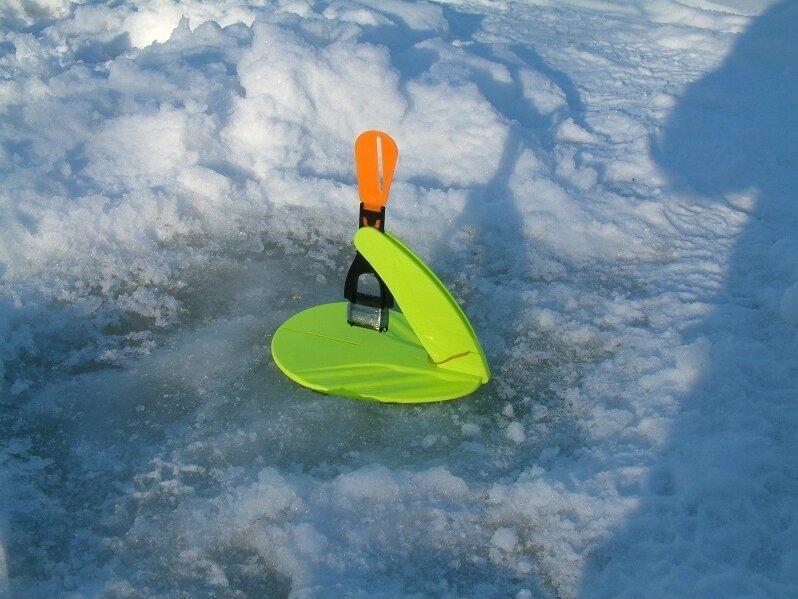 Лучшая снасть на судака по первому прозрачному льду. Блёсны и балансиры не нужны