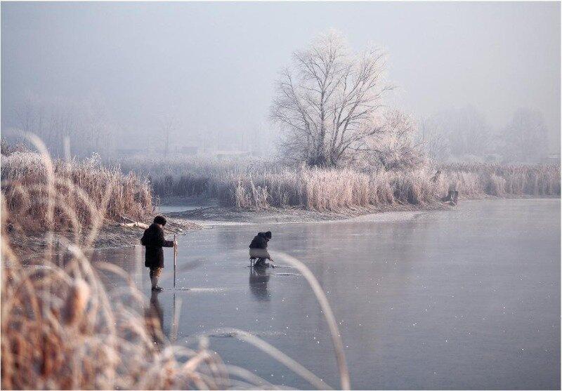 Народные выдумки: 3 странных способа рыбалки без удочки и сетей