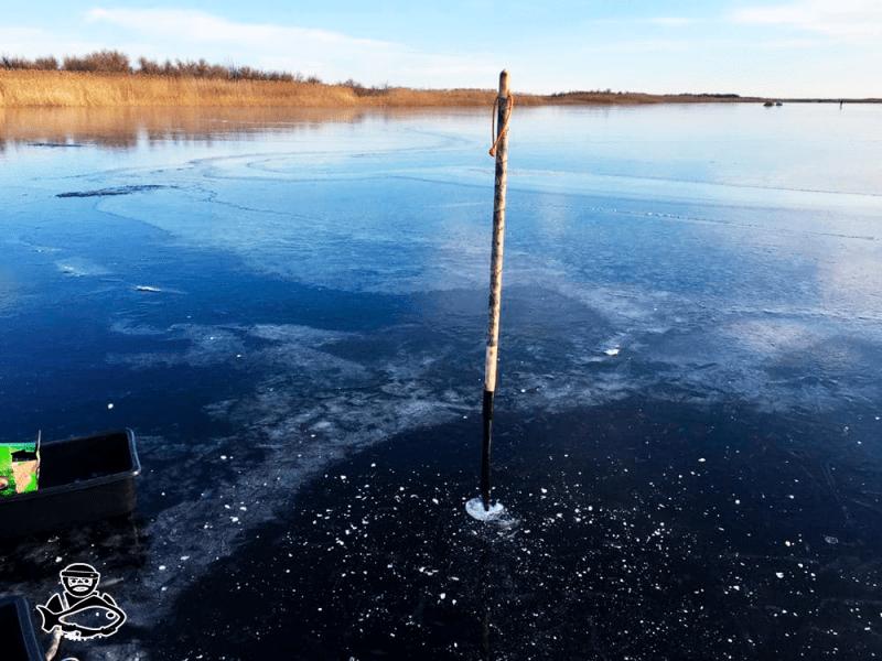 Сделал пешню для проверки первого льда. Теперь не страшно ходить по водоёму если лёд очень тонкий