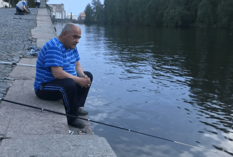 Поймал рыбу на чужом месте