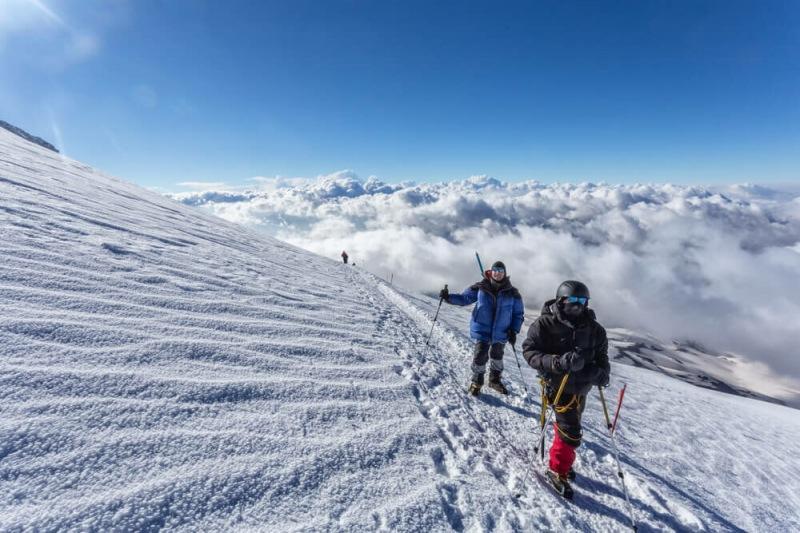 Выше облаков — зачем ехать на Эльбрус и чем здесь заняться