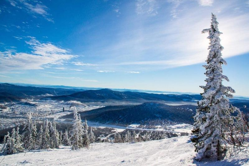 Куда поехать в России любителям горнолыжного отдыха