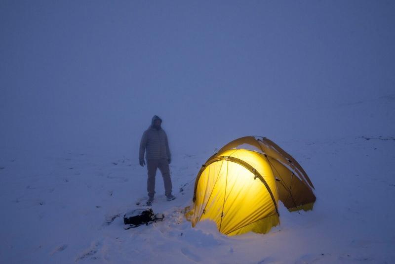 Ночёвка в палатке зимой. Реально ли согреться и ночью не замёрзнуть?