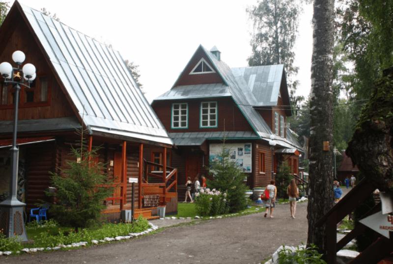 Обзор турбаз Алтая, для комфортного проживания с детьми летом 2021 года