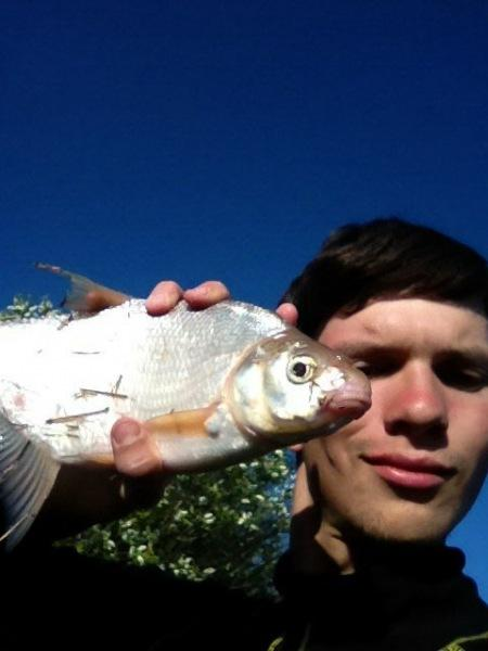 Видит ли рыба леску? Ответ ихтиолога.