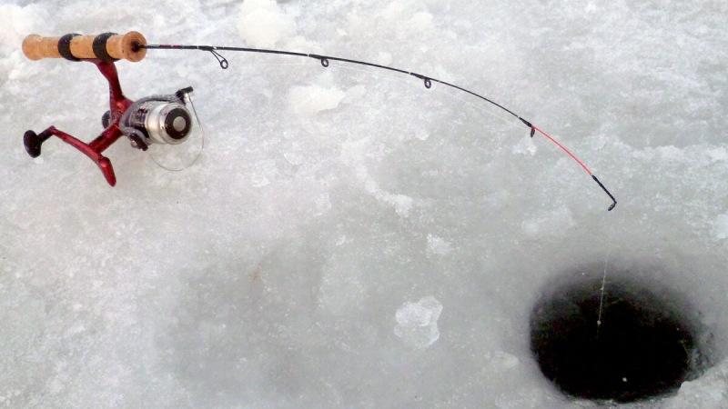 Зимнмй фидер Salmo Ice Feeder 64. Обзор и мой опыт применения.