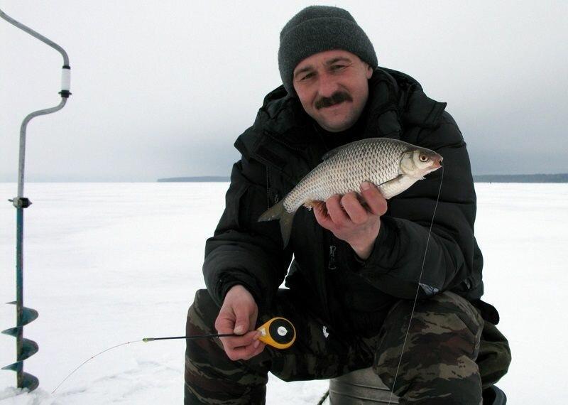Ловля плотвы в глухозимье. 5 советов рыболову