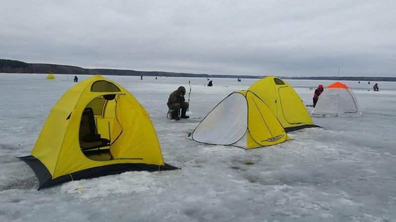 Новичку о зимней рыбалке. Как выбрать палатку для рыбалки?