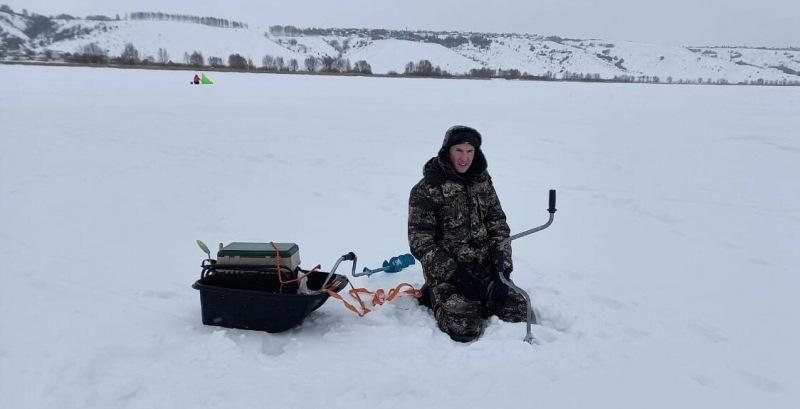 Самая неудачная рыбалка в сезоне: застряла машина, буры не бурят, обрывы и т. д.