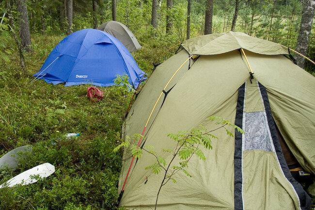 Туристу на заметку. Как выбрать место для установки кемпинговой палатки?