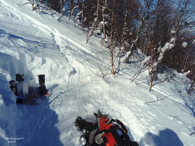 Попал на идеальный скитур на Южном Урале, не выезжая в большие горы. Снега местами под 2 метра! Скалы, ёлки и шикарные виды!