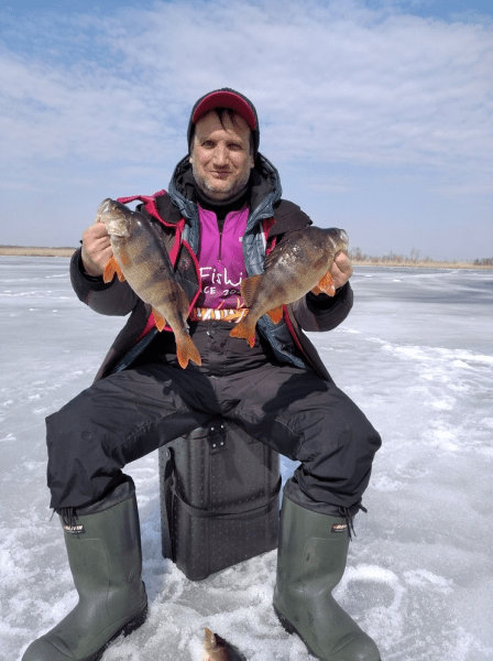 Россия большая! И где то еще есть лед. Закрытие сезона зимней рыбалки.