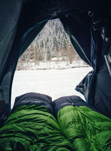 Как выбрать спальник для походов и отдыха на природе