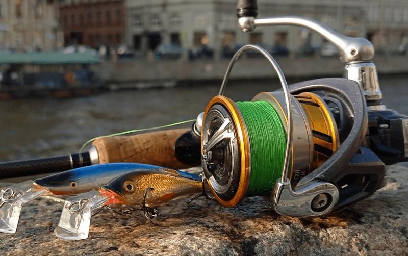 Экономайзер для уменьшения объема шпули рыболовной катушки