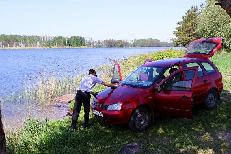 На автомобиле можно подъехать к самой воде — по закону