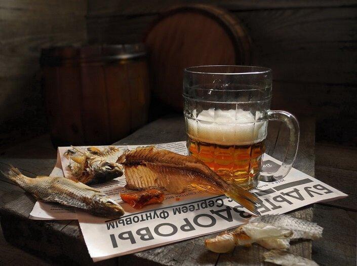 Узнал, что нельзя пить пиво с воблой и любой другой сушеной рыбой. Так с чем же его пить?