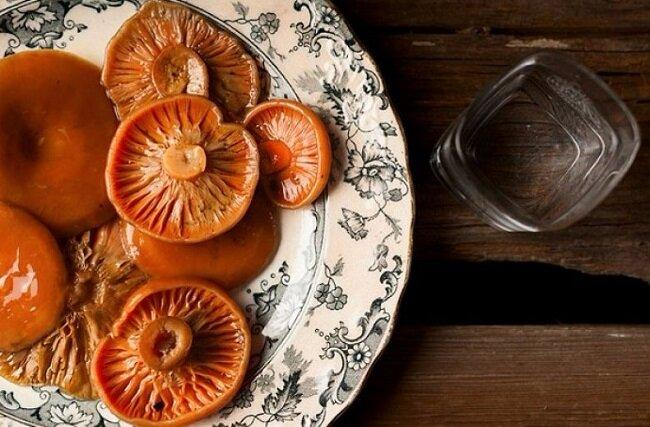 Рецепт моментально соленых рыжиков По-таежному. Есть можно через 3 минуты